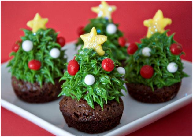 An easy but tasty Holiday dessert #Cupcakes #Holidays #ChristmasTree #BurlingtonMall