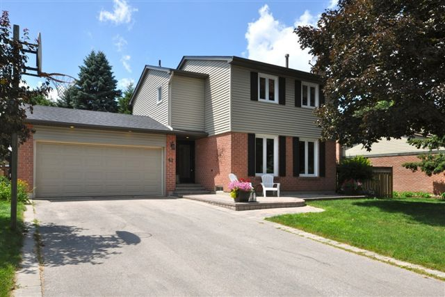 62 Stoddart Dr.  Aurora, Ontario  Building Type : Detached  Bedrooms : 3  Bathrooms : 3  Sold For $553,000  111% Of List  Highest Sale On Street For A 2-Storey Detached(To Date Of Sale)