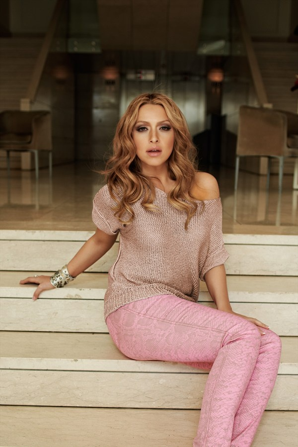 Turkish singer Hadise with soft coloured-combination