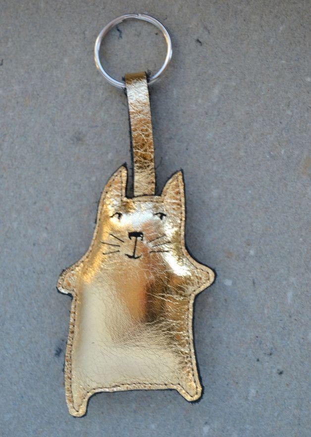 Hingucker Schlüsselanhänger in Gold, Katze / golden key chain, cute cat made by Adams-Braut via DaWanda.com