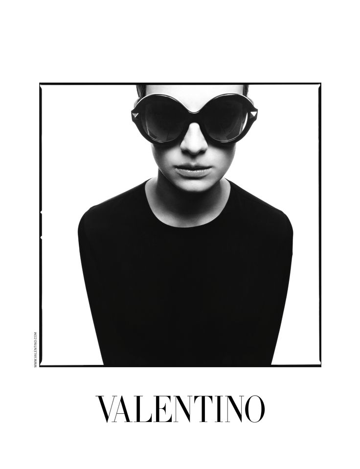 Vogue Eyeglass Frames Black And White : Valentino sunglasses, fashion, eyewear, black and white ...
