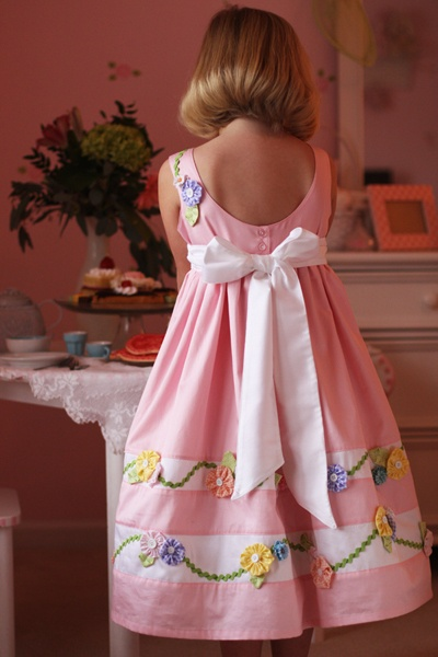 Miranda's Dress - Sizes 2-8    <3, <3,  <3 the detail.  Reminds me of my days sewing with Kari Mecca patterns!  It's all in the details!