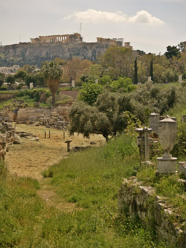 The Parthenon and the Acropolis can be clearly seen form the archaeological site of Kerameikos. (Walking Athens, Route 03 - Psiri / Monastiraki)
