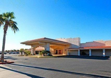 Quality Inn & Suites Lake Havasu City - 2 Star #Hotel - $80 - #Hotels #UnitedStatesofAmerica #LakeHavasuCity http://www.justigo.co.za/hotels/united-states-of-america/lake-havasu-city/quality-inn-suites-lake-havasu-city_103628.html