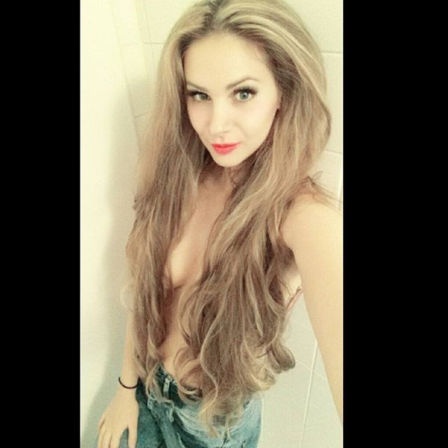 have a nice sunday and dare to be sexy girls  #sunday#weekend#longhair#lipstick#bluejeans#look#smile#sexy#girl#beyourself#selfie#bachelor#rtl#enjoy#grooveevents #hair#blonde#