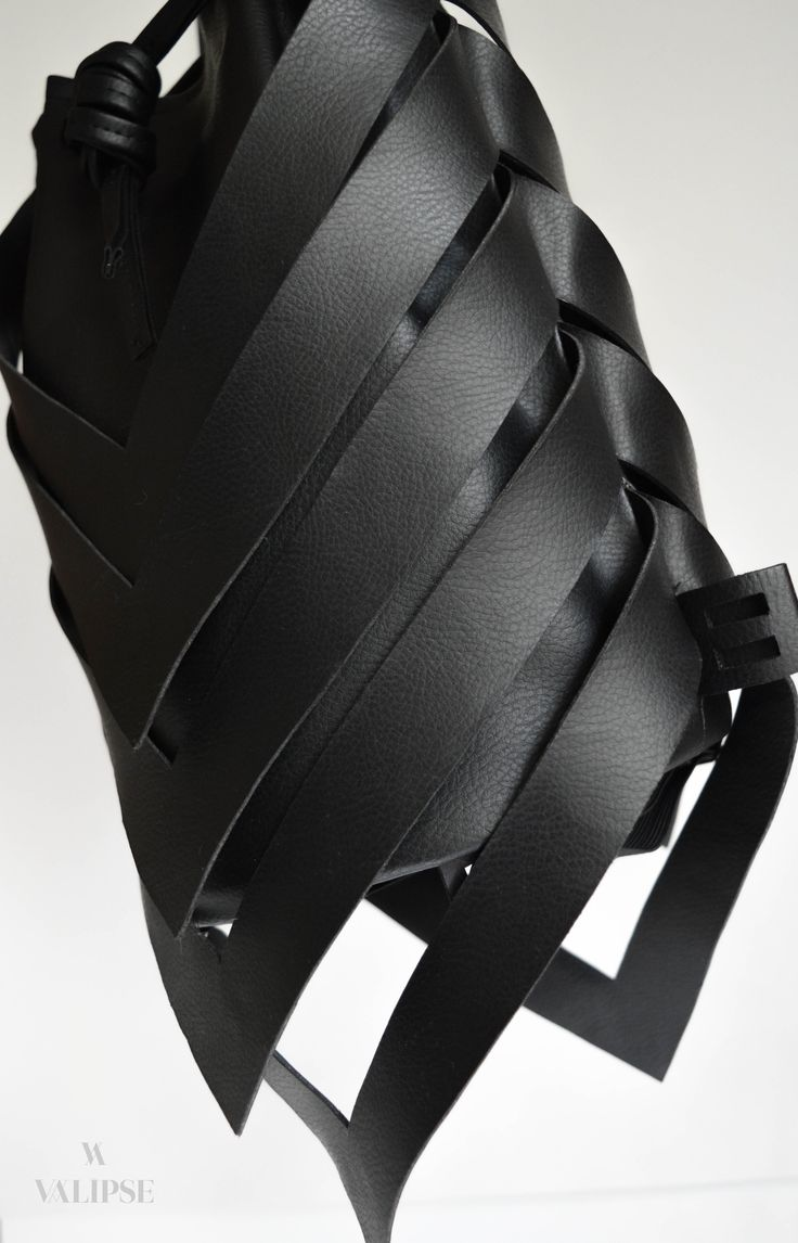 Side detail shot of the 3-in-1 black vegan leather bag | VALIPSE | Handmade cruelty-free product