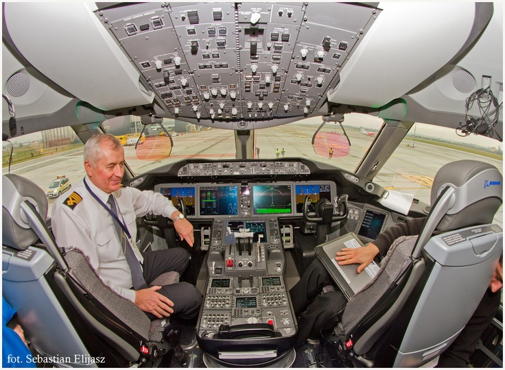 Oficjalna prezentacja Boeing 787 Dreamliner Polskich Linii Lotniczych LOT na EPGD / Official presentation of #Boeing 787 #Dreamliner in #Airport #Gdansk | photo: Sebastian Elijasz