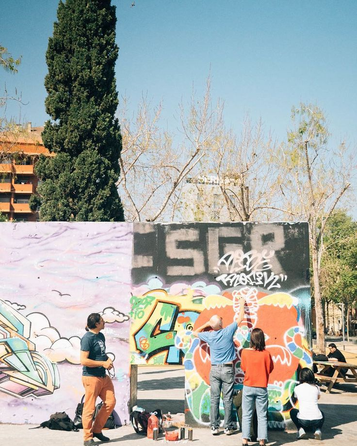 If you've visited Barcelona for Gaudí's architectural wonders, the delicious tapas, and the gorgeous Mediterranean coastal weather, have you taken a moment to appreciate the street art? Yuri, a local painter and gallery owner, will introduce you to the thriving but oft-overlooked graffiti scene in El Poble-sec. He'll invite you to his atelier where you'll join other art-appreciators in a lively discussion about graffiti culture over snacks and wine. But to talk the talk you have to walk the…