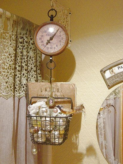 Always wanted an old scale and what a clever idea for the bathroom:)