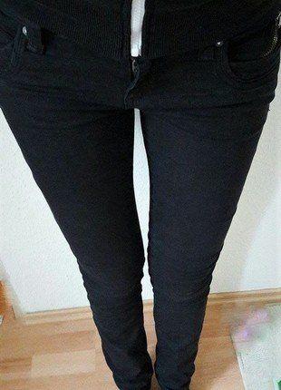 schwarze Jeans von S.Oliver QS W36 L34 #Kleiderkreisel http://www.kleiderkreisel.de/damenmode/jeans/145126086-schwarze-jeans-von-soliver-qs-w36-l34