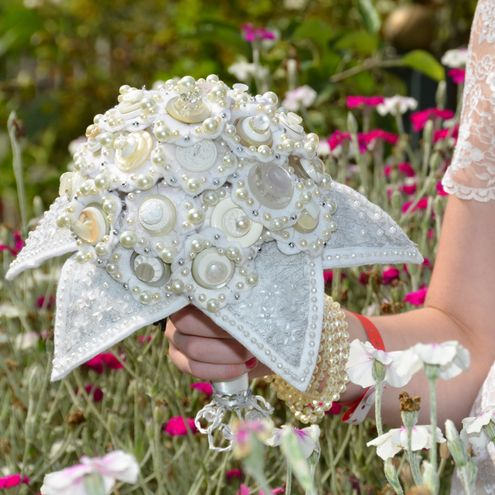 bride wedding bouquets 7 best entourage images on bridesmaid dress 2076