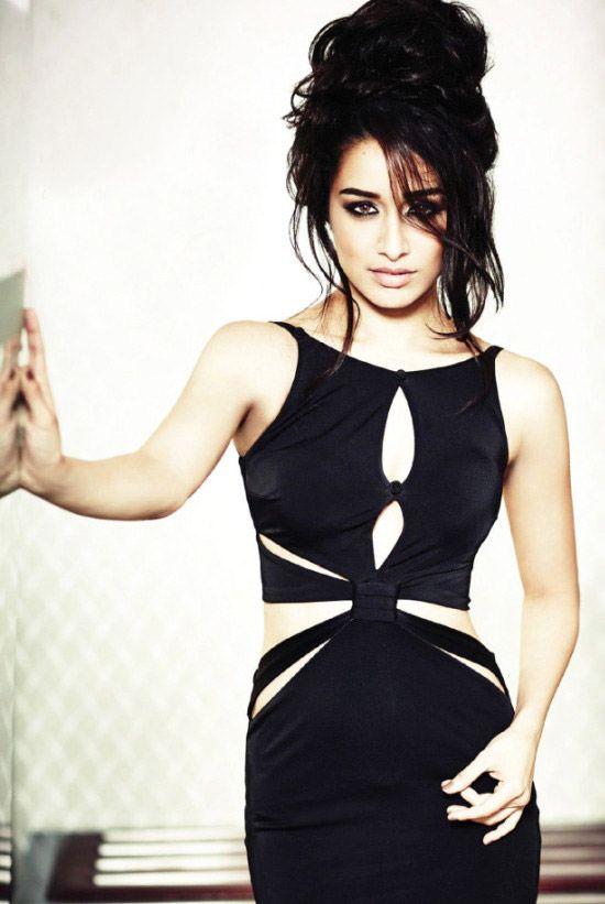 Shraddha Kapoor Filmfare September 2014 photoshoot In Black Color Dress http://photoshotoh.com/shraddha-kapoor-wallpapers/