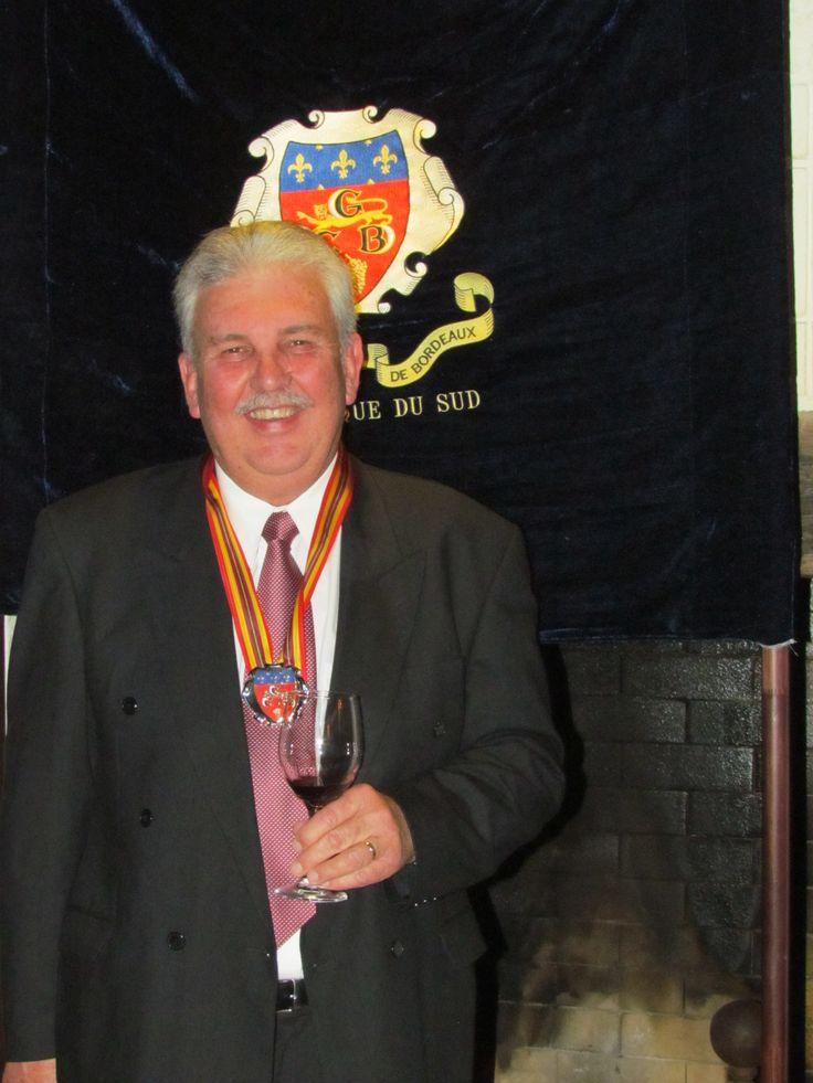 Boets Nel (Cape Wine Master) receiving his award at the Commanderie de Bordeaux