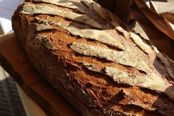 Jednoduchý domácí chleba, kvůli kterému si nemusíte kupovat elektrickou pekárnu a u jehož výroby se
