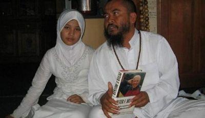 Masih Ingat Dengan Remaja Putri Yang Menikah Dengan Syekh Puji? Beginilah Keadaannya Sekarang