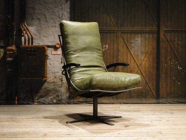 Castello fauteuil leverbaar in geschuurd leer