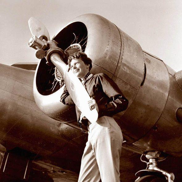 Rare footage of legendary aviator Amelia Earhart before last flight she vanished…