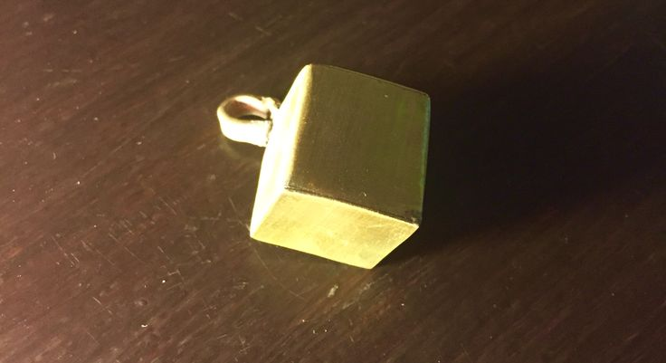 Hand made jawellery  Recznie robiona zawieszka sześcian
