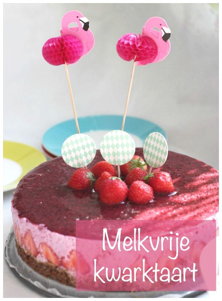 Voor de verjaardag van de dochter maakte ik een roze taart. Een melkvrije kwarktaart zodat haar broertje er ook van kon meegenieten.