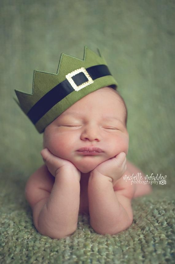 Adorable idea for baby's first St. Patrick's Day photo!: Irish Photography, Infants Baby, Newborn Infants, Leprechaun Crowns, Green Black, Black Gold, Baby St., Newborn Photography Props, Lucky Leprechaun