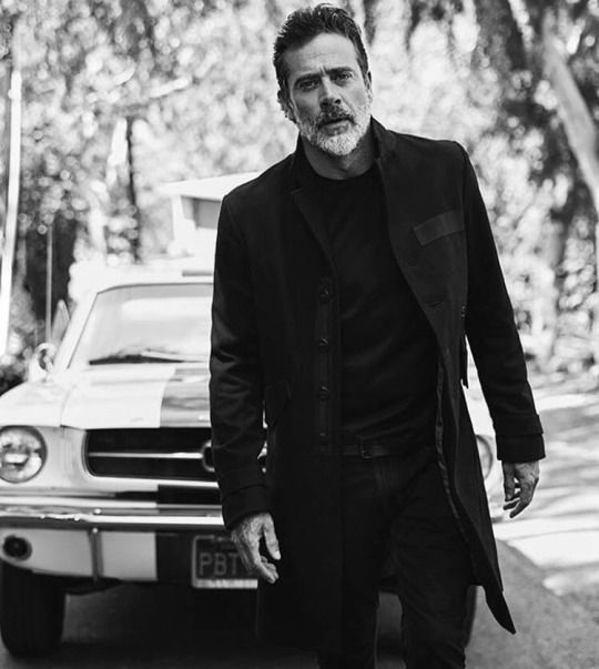 Jeffrey Dean Morgan.. I once went on a date with a guy that looked exactly like him but scrawnier. Sadly he was as dull as a rock but omg so pretty.