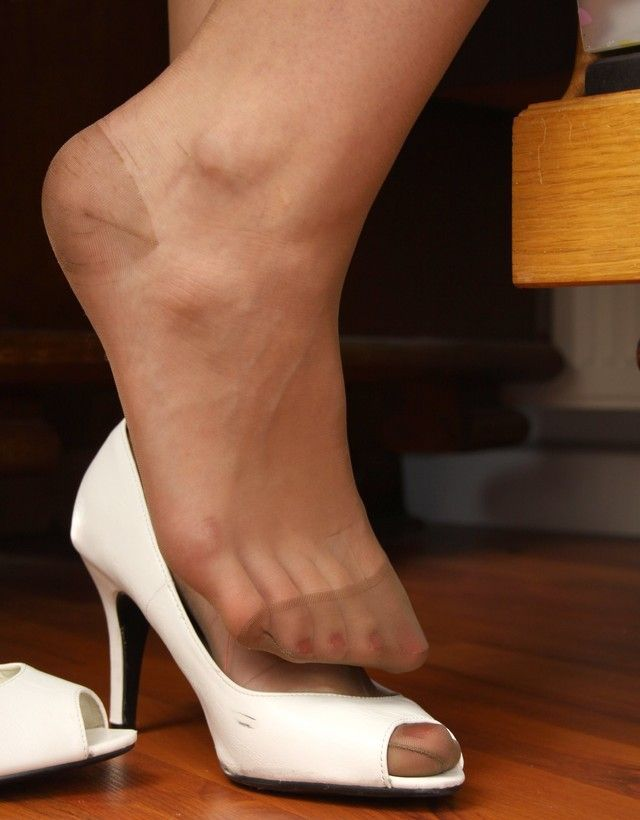 ed71bd8b02b Pretty feet in sheer suntan RHT nylons and sexy open toe pumps ...