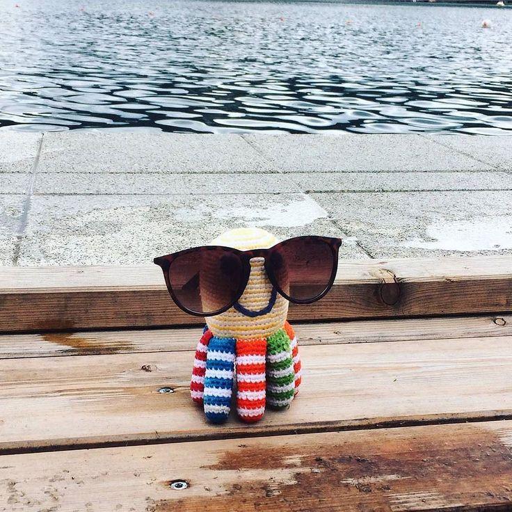 Pebble Rainbow Octopus Spotted! Great pic from Pebble's UK distributor.  Loving this Autumn sunshine  #bestyearsltd #pebblechild #octopus #octopustoy #fairtrade #babytoys  #pebblespotted #crochet #wfto #rainbow #fall #autumn #sunshine #sunglasses #carpediem ( # @bestyearsltd via @latermedia )