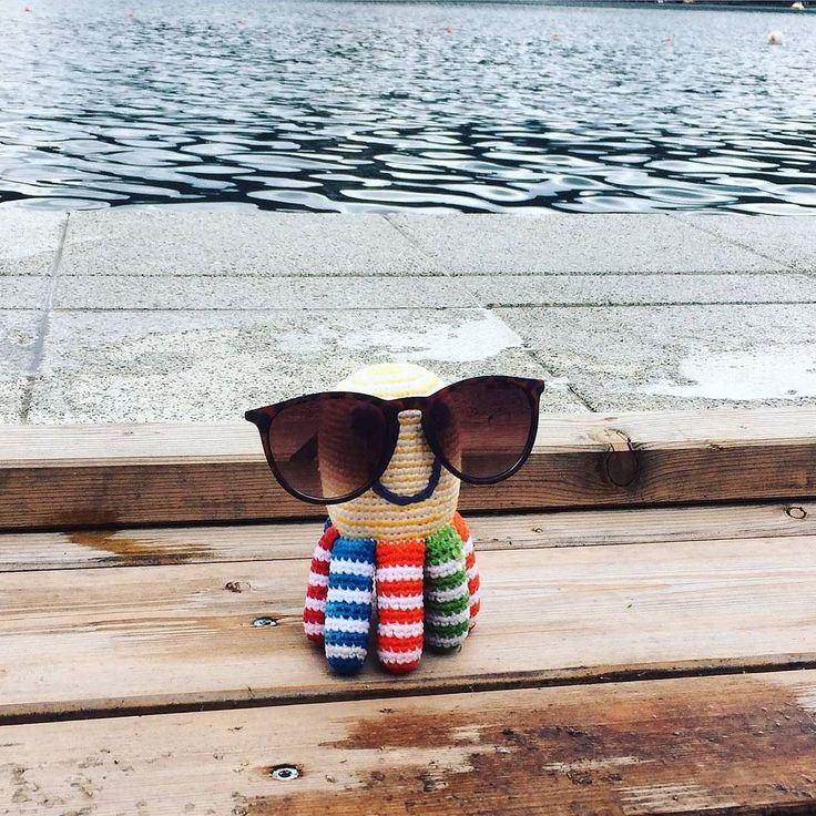 Pebble Rainbow Octopus Spotted! Great pic from Pebble's UK distributor.  Loving this Autumn sunshine  #bestyearsltd #pebblechild #octopus #octopustoy #fairtrade #babytoys  #pebblespotted #crochet #wfto #rainbow #fall #autumn #sunshine #sunglasses #carpediem ( # @bestyearsltd via @latermedia )
