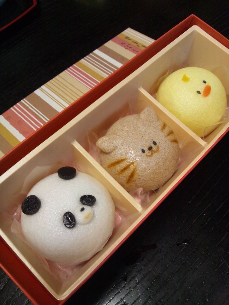 Wagashi... I have NO IDEA what wagashi means (lol) but these are the coolest cupcake ideas ever!