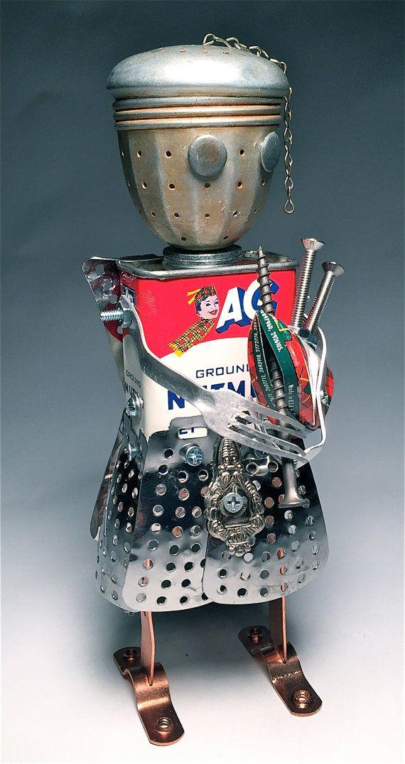 Tiny MacNutmeg - Assemblage Art Spice Tin Robot