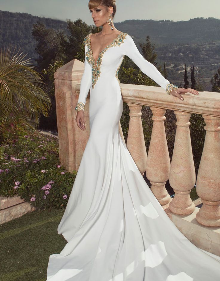 Oved Cohen Wedding Dresses 2014. To see more: http://www.modwedding.com/2014/08/13/oved-cohen-wedding-dresses-2014/ #wedding #weddings #wedding_dress