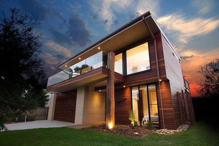 Award Winning Somerset House - Hayden Constructions   Custom Homes