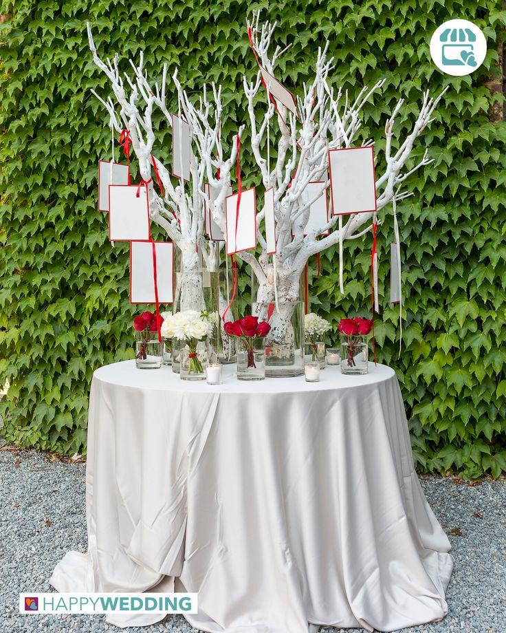 Idea per il tableau de mariage: un albero da cui pendono cartellini con la disposizione degli invitati! https://goo.gl/Px5zHN