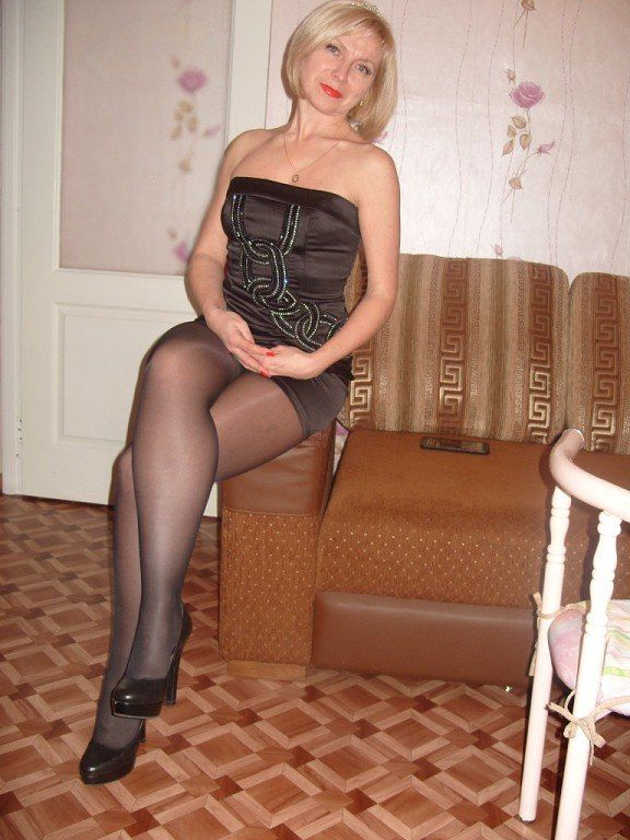 Hot Pantyhose Mom 59