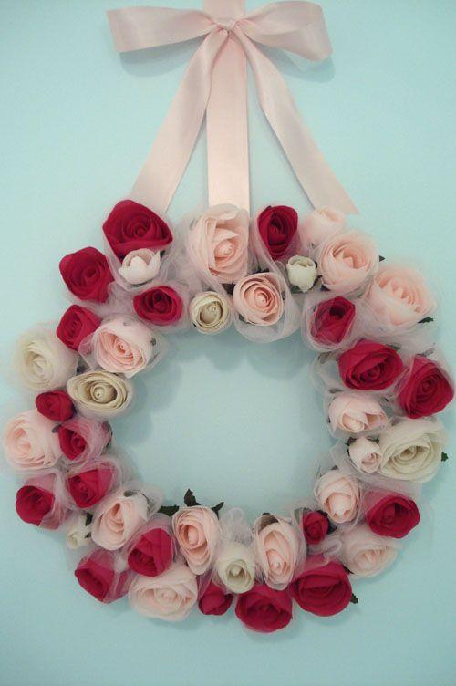 DIY:::  Rose Wreath