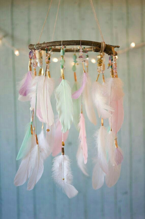 Feather chandelier- Just picture- Medium materials
