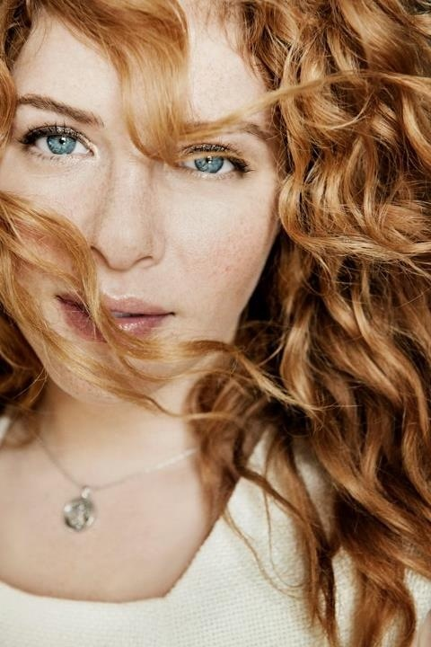 Rachelle Lefevre. Just can't tell ya what she means to me, she's my life.  I love everything about her <3  P.S. And I'm f**king crazy about this picture ♥__♥ :]