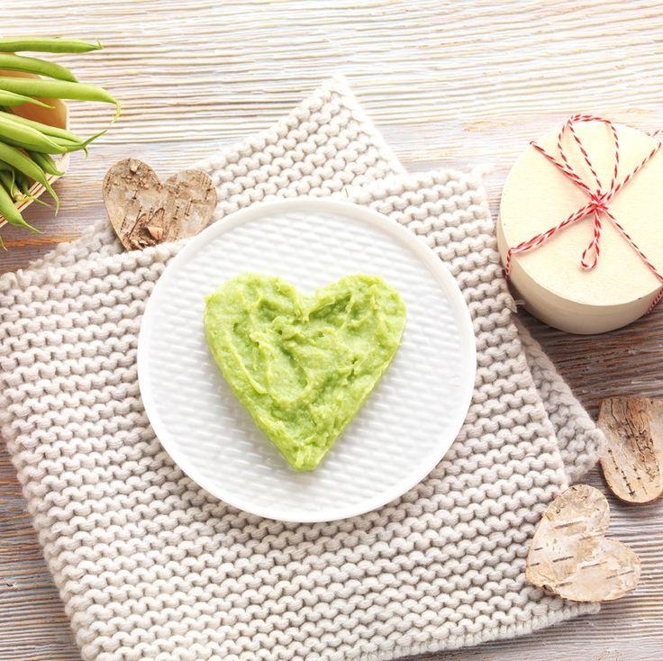 """Une recette pour dire """"Je t'aime"""" à Bébé le jour de la Saint-Valentin! Purée de pomme de terre et haricots verts pour bébé dès 4 à 6 mois. Premières découvertes culinaires! #recettebébé #6mois #diversification #saintvalentin"""