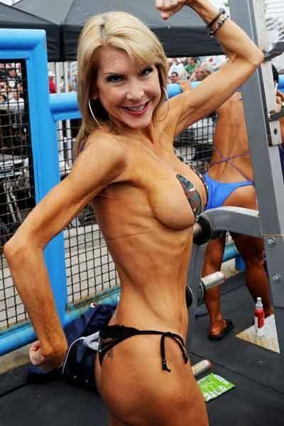 Women Bodybuilders Compete In The Bikini Masters Over 35 -1013