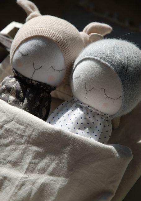 Debilidad absoluta por estas muñecas, súper fan y enamoramiento a primera vista. Cuánta dulzura y cuánto monísima, monísima...
