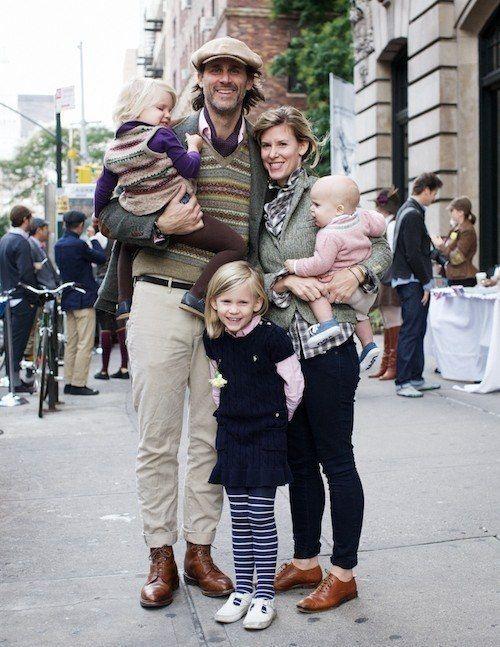 Оригинал взят у kidsfoto в Что одеть на семейную фотосессию? 1. Какая одежда подходит для семейной фотосессии, как правильно составить комплекты одежды для родителей…