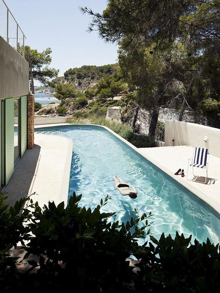 openhouse-magazine-on-the-sea-edge-architecture-casa-baladrar-by-langarita-navarro-alicante-spain-6.jpg (760×1013)