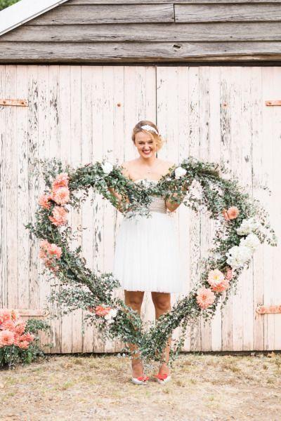 30 Romantic Wedding Wreath Ideas to Get Inspired | http://www.deerpearlflowers.com/30-romantic-wedding-wreath-ideas-to-get-inspired/
