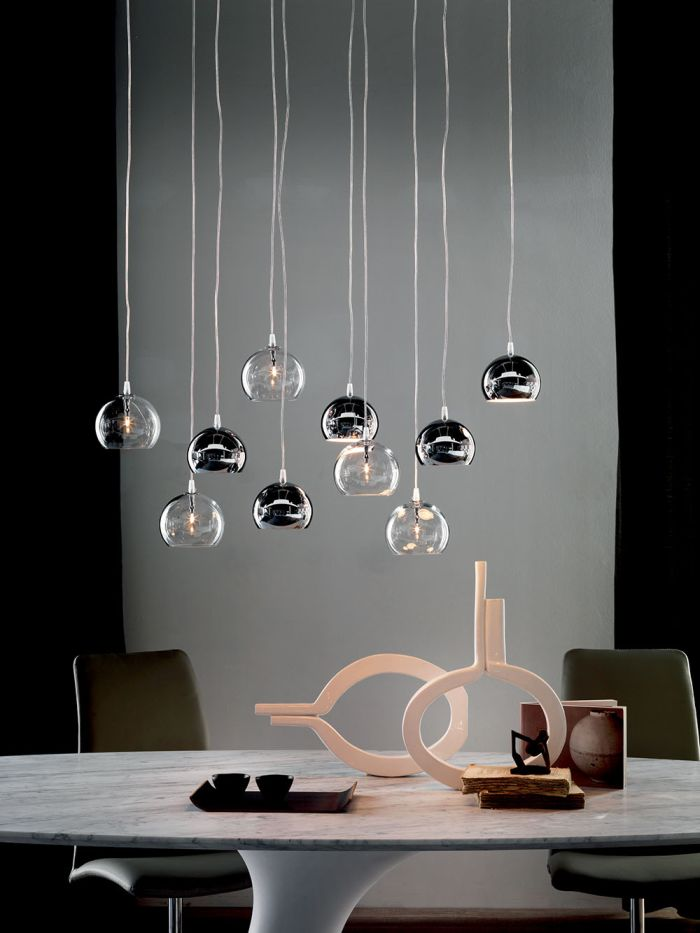 Elegancka w każdym calu  #ceiling #lamp #eclipse #cattelanitalia #italiantaste #modern #design #internoitaliano