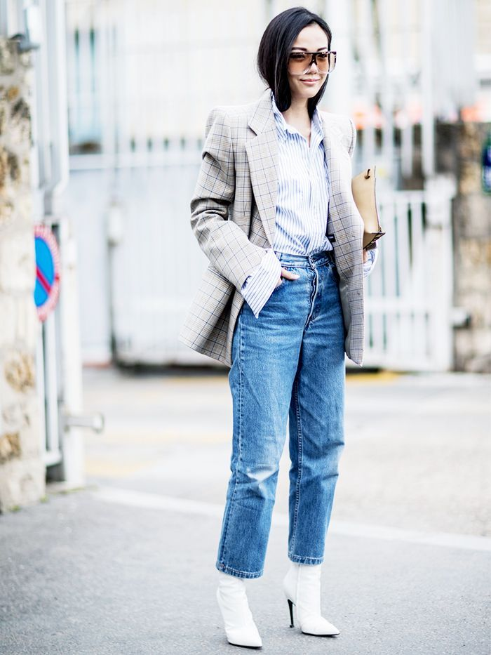 Wondering how to wear boyfriend jeans in the winter? We\u0027ve rounded up the  coolest looks from our favorite It girls.