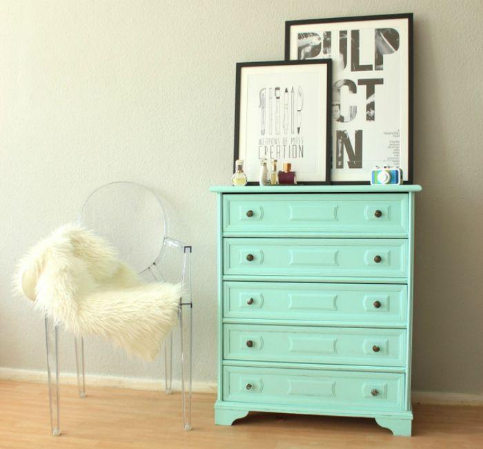 DIY Anleitung: Möbel lackieren // diy tutorial: repainting furniture via blog.dawanda.com
