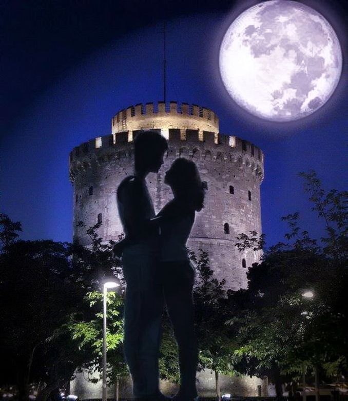 Love near the White Tower, Thessaloniki, Greece.