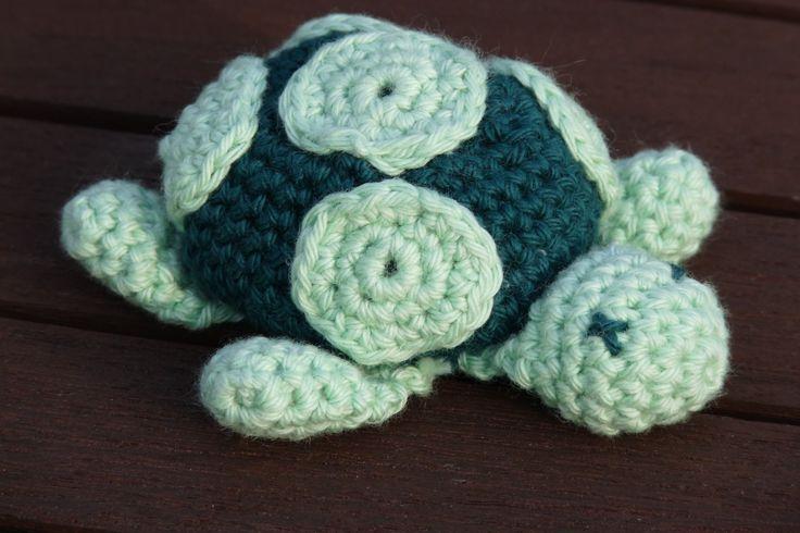 Schildpad. Patroon: http://www.amigurumis.nl/schildpad.html December 2011.