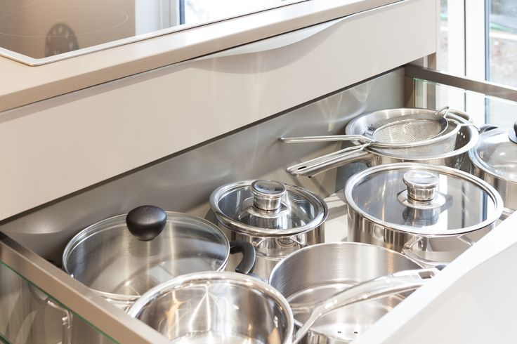 Large deep drawers give easy access to pots and pans
