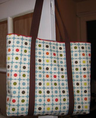 homemade by jill: spring tote tutorial. Made it (with fabric, not towels). Turned out great. Good tutorial.